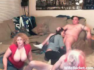 Šialené amatérske swinger párty