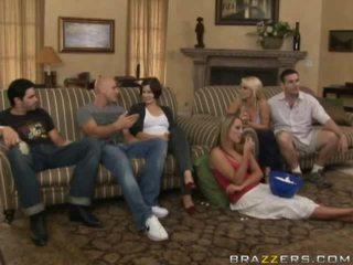 Безкоштовно оголена між сім'я порно відео