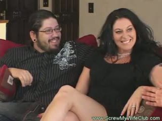 Slutty gift kvinna rides kuk pov