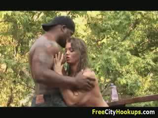 Grand titty rita faltoyano corps massage et dur derrière baise