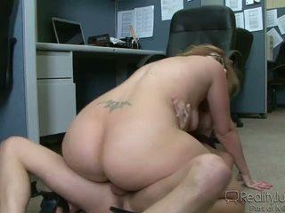 Kancelář perverts 3 ava rose
