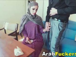 Arab gyz looking for job aldalan into sikiş