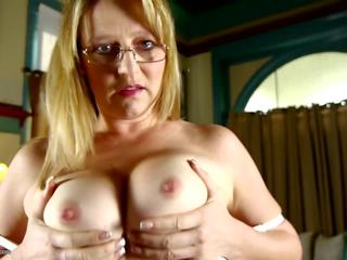 Mature Housewife and Mom with Sexy Body, Porn 2b