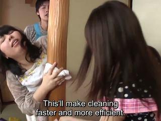 Subtitled japonais risky sexe avec voluptuous mère en