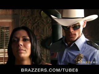 Gambar/video porno vulgar rambut coklat babe rachel starr adalah frisked kacau oleh sebuah polisi