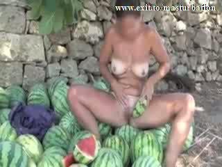 アウトドア melon masturbation ヌーディスト giselda ビデオ