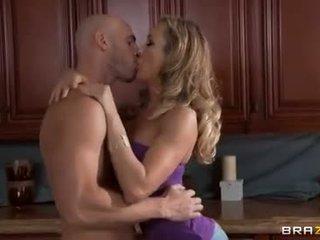 оральний секс, вагінальний секс, кавказький