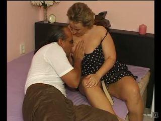 A сексуальна пухка леді loves секс