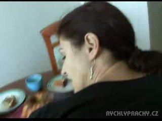 Mama čiulpimas bybis