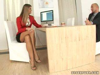 Jennifer sten sekreterare fotsex