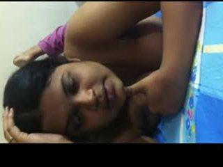 Desi bangla gal sharing उसकी sexperience