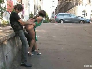 น่ารักน่าหยิก lea ทำ ความรัก ใหญ่ ข้างใน the สาธารณะ สถาน alfresco
