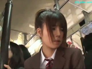 Kancelária dáma stimulated s vibrátor giving fajčenie na ju knees na the autobus