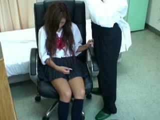 Spycam תלמידת בית ספר misused על ידי רופא 3