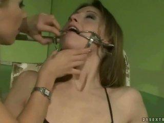 Šolarka punishing a slavegirl