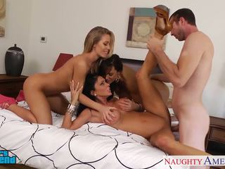 Seksual girls jessica jaymes, lisa ann and nicole aniston