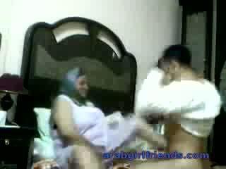 Kívánós arab pár elcsípett baszás által meglesés -ban hotel szoba