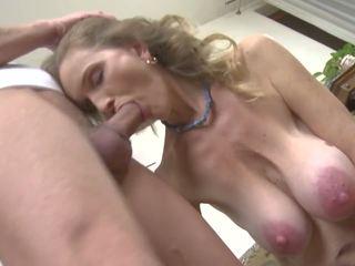 Горещ възрастни секс с мръсен мама и син, hd порно 98