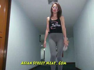 Buggered filipina opp henne rectum