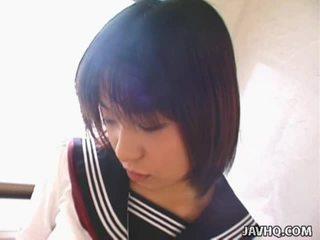 Youthful japoniškas mokinukė gives jos 1st čiulpimas