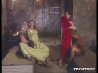 Cleare و jyulia, dp طقوس العربدة مع ال gladiators في ال خلية