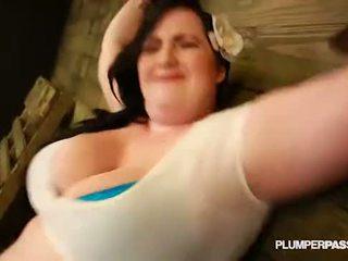 Секси дебеланки eliza allure submits и fucks тя майстор