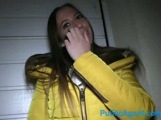 Publicagent krásný dlouho haired bruneta paid pro pohlaví - porno video 801