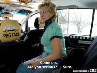 체코의 성숙한 금발의 굶주린 용 taxi drivers 수탉: 포르노를 99