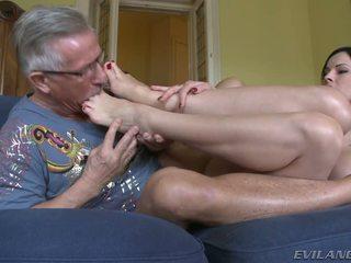 Abbie takes ki neki harisnya és slides neki láb tovább övé fasz