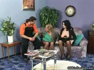 Potrebni zreli whores go noro rubbing