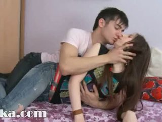To 18yo dziewczyna having sperma w jej cipka