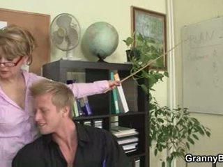 Eldre kontor sjef forces ham faen henne hardt