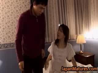 Érett japán modell gets fingered