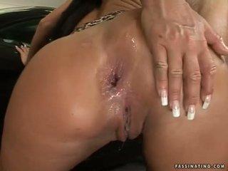 ฟองสบู่ butted ผู้หญิงสวย christina bella acquires a load ของ cream pie ใน เธอ luch holes