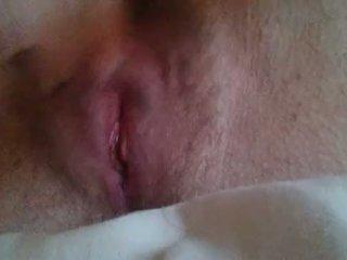 Girl masturbating til she comes close up