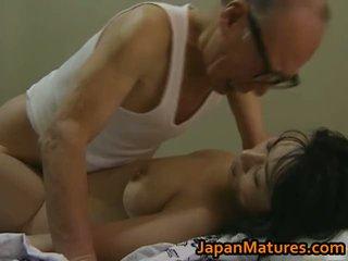 Gorące azjatyckie laska has dojrzała seks
