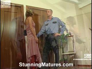 Caliente impresionante madura película starring virginia, jerry, adam