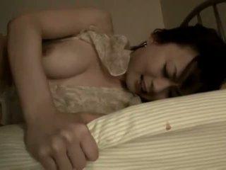 Jepang milf warmed naik untuk beberapa gambar/video porno vulgar tindakan