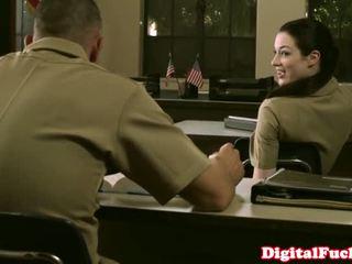 מזכירה