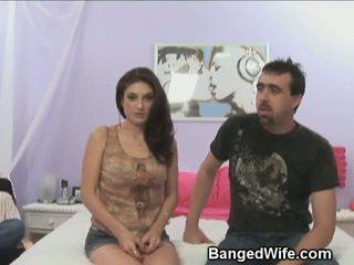 Dude watches suo moglie succhiare altro mans cazzo