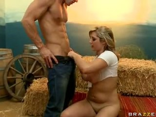 Starved Doxy Dayna Vendetta Thumps A Juicy Meatpole In And Out This Boyr Mouth