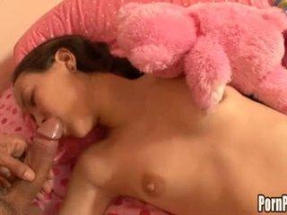 Asin pleasantheart amai liu acquires тя лице hole attacked от а хуй докато спящ