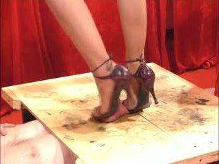 靴の仕事 足コキ