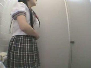 Student ficken im öffentlich toilette