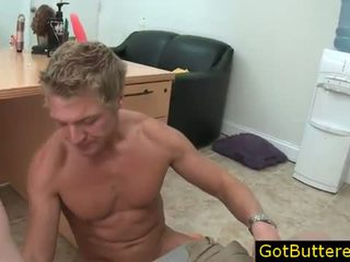 Blonde stud getting his mouth buttered