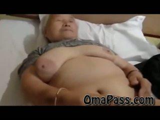 Väga vana paks japanes granny keppimine nii raske koos üks mees video