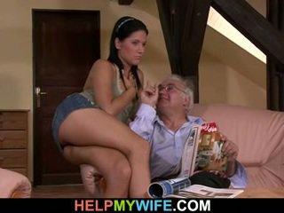 Noor abielunaine gets hooked üles koos a stranger