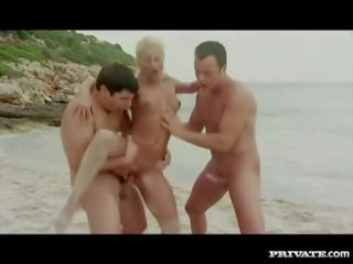 Private com - Trio with DP on the beach