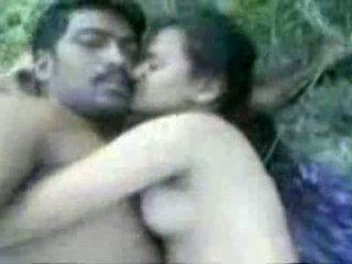 Tamil couples सेक्स outdoors
