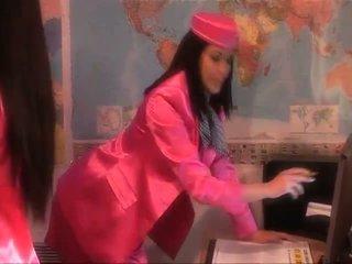 是 該 一 stewardesses 或 女王 的 性別?